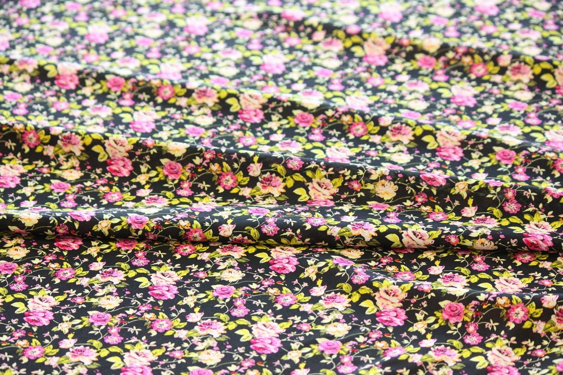 Ткань штапель цветок мелкий цвет черный