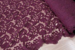Ткань кружево на сетке натали цвет бордо  с фистонами с двух сторон