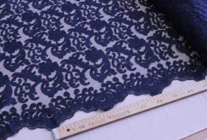 Ткань кружево на сетке натали цвет темно-синий с фистонами с двух сторон
