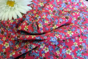Ткань штапель цветок мелкий цвет красный