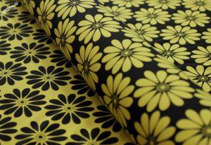 Обивочная ткань для дивана жаккард «ромашки» цвет жёлтый